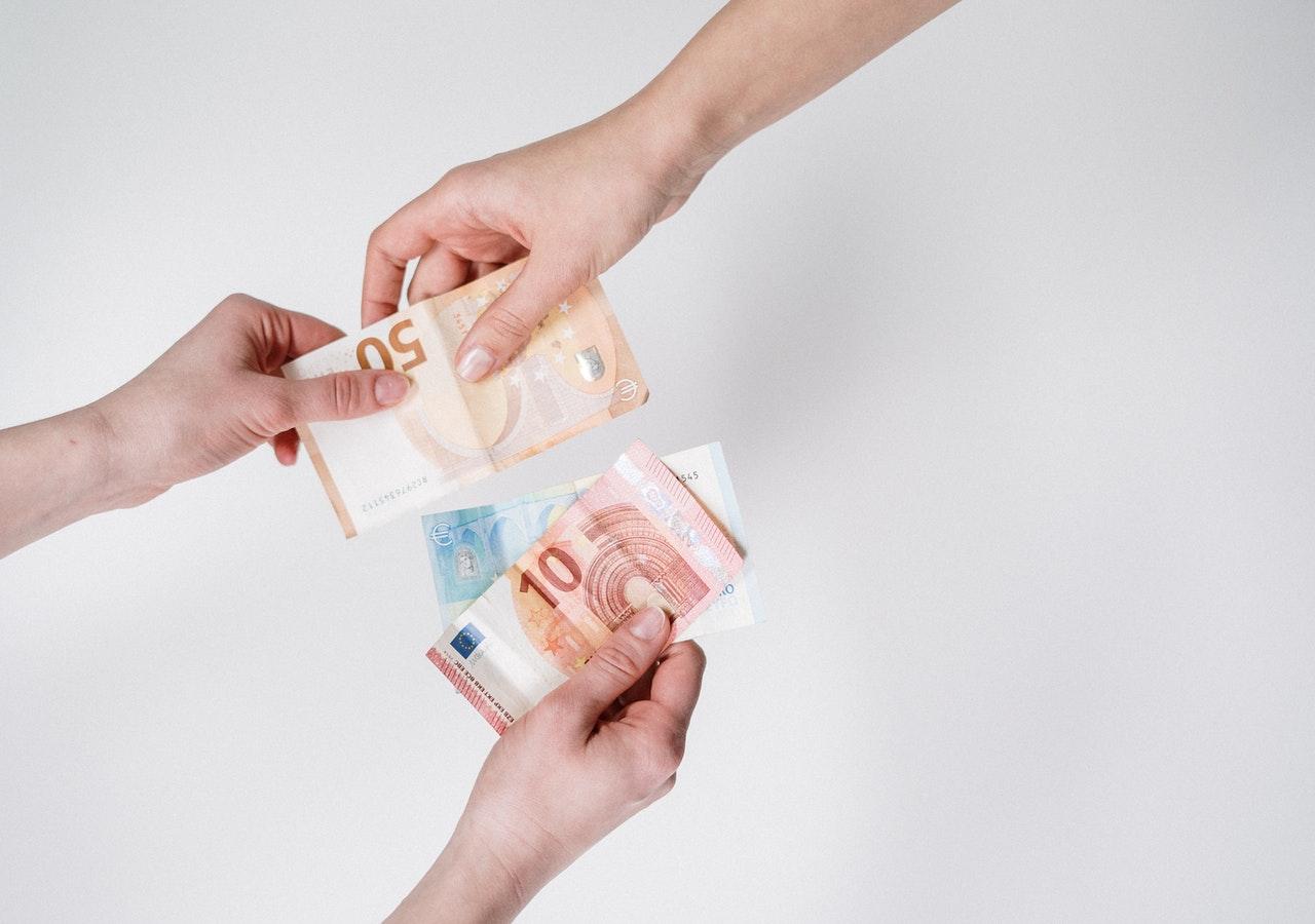 Límite de pagos en efectivo entre empresarios es de 1.000 €